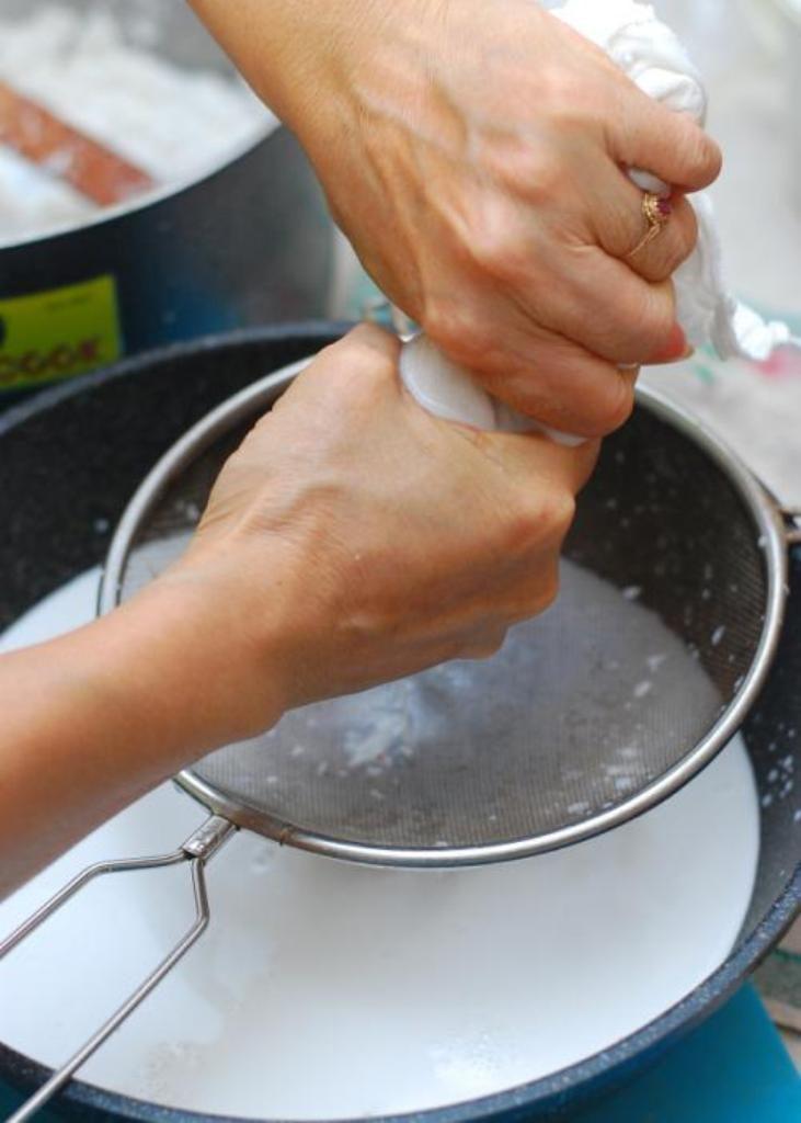 Hướng dẫn làm dịch chuối bón lan